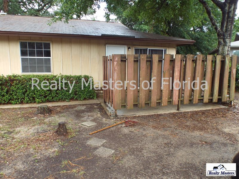 Duplex for Rent in Colony Park