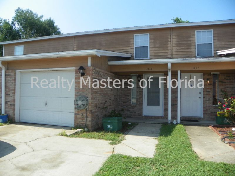 Duplex for Rent in Forest Oaks