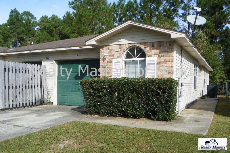 Duplex for Rent in Bay Pine Villas