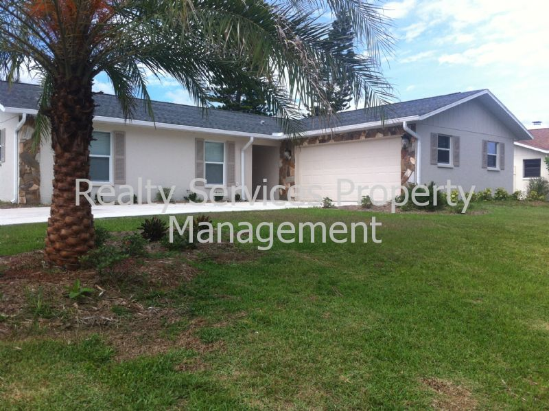 House for Rent in UNIVERSITY PINES