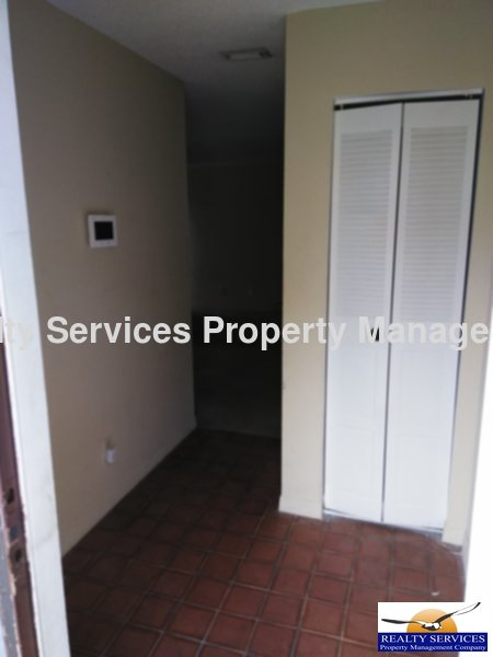 Condo for Rent in PARK SHORE CIRCLE