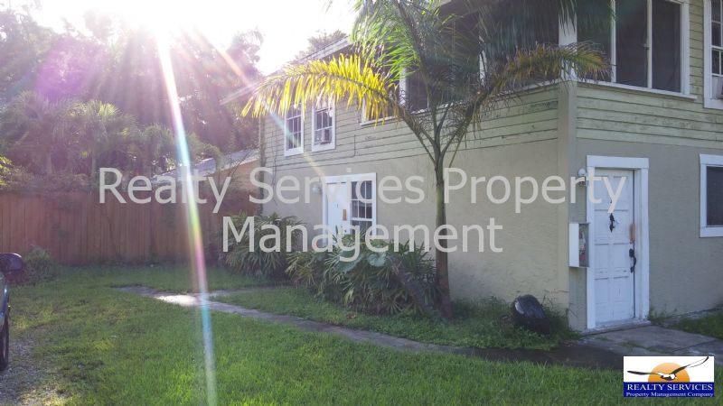 Duplex, Triplex, Quadplex for Rent in DOWN TOWN FORT MYERS FL.