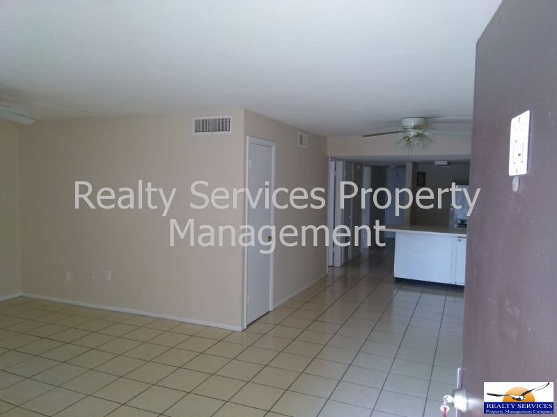 Condo for Rent in THE PALMS APRATMENTS