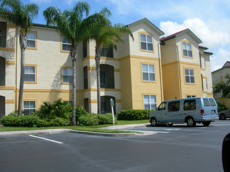 Condo for Rent in Royal Green at Gateway****GATE ACCE