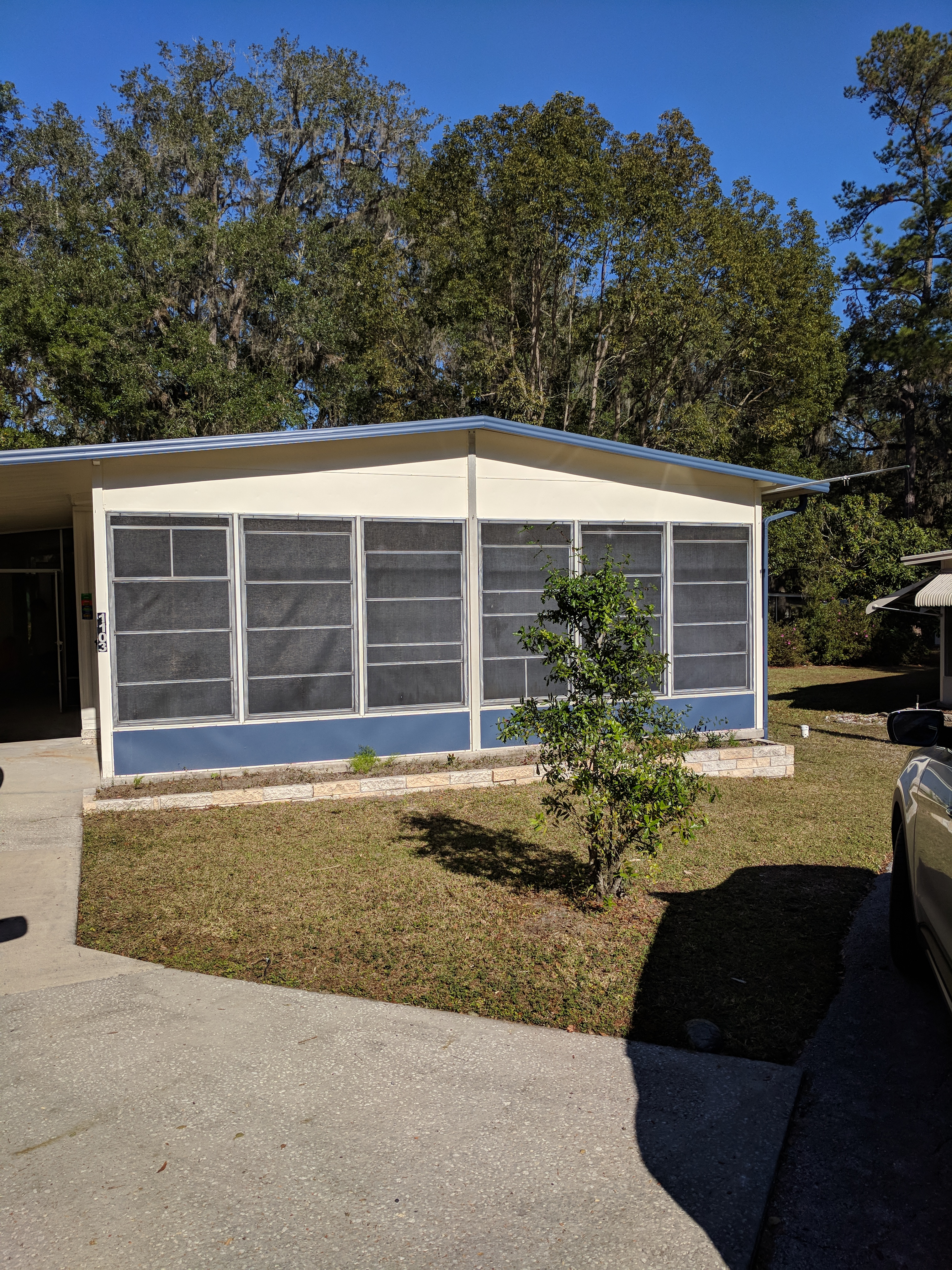 House for Rent in Cloverleaf
