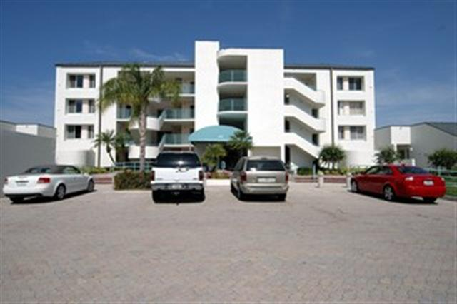 Condo for Rent in Park Shore Landings