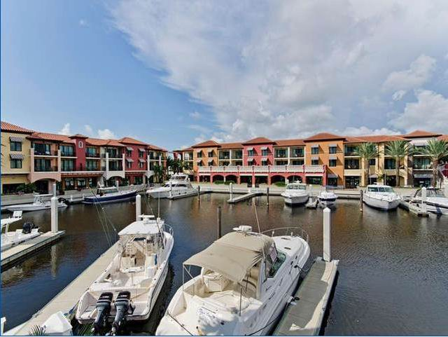 Condo for Rent in Naples