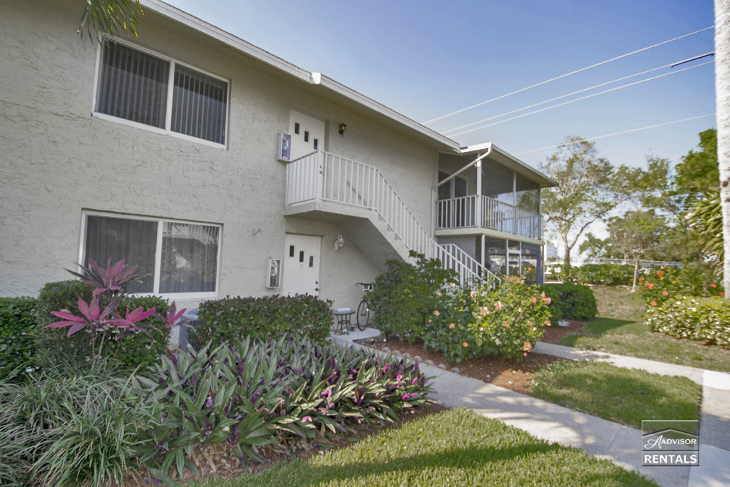 Pet Friendly for Rent in Glades Country Club PlmDr232-6