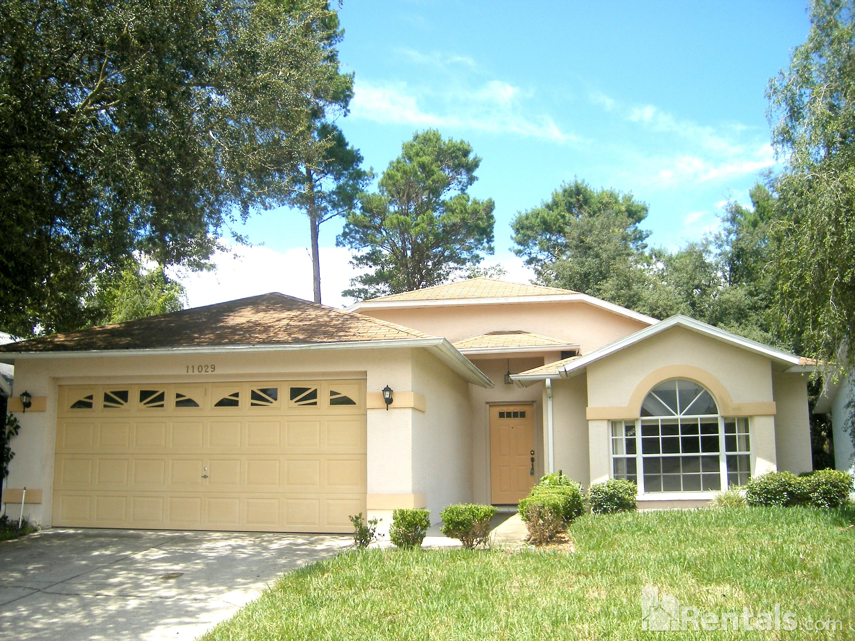 House for Rent in The Oaks- River Ridge