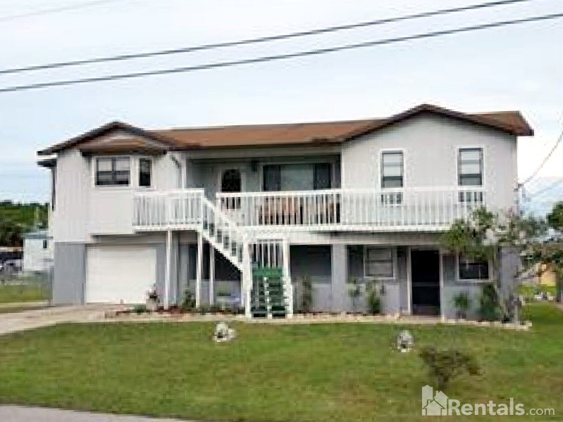 Duplex for Rent in Hudson Beach Estates