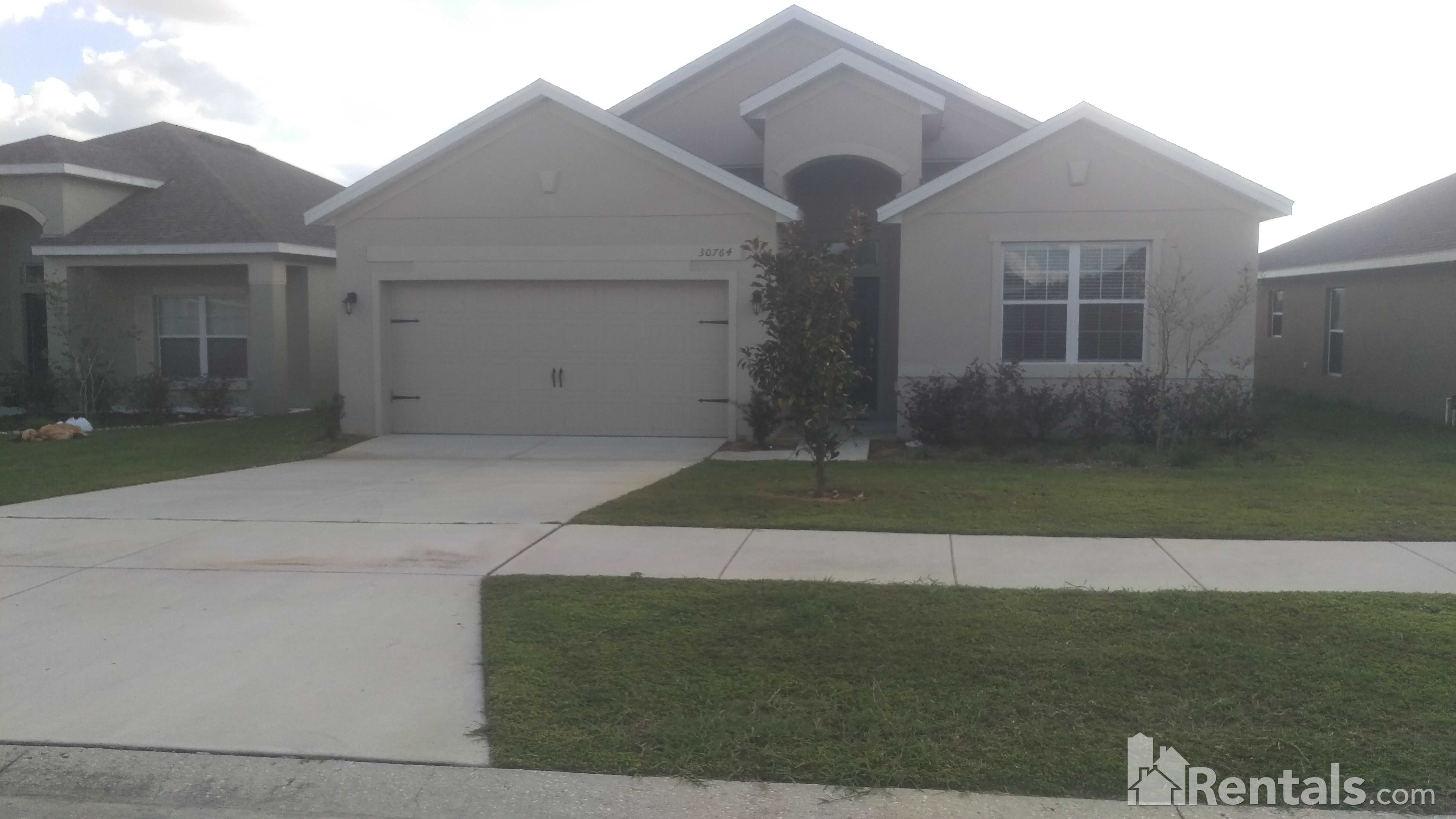 House for Rent in sherman Hills