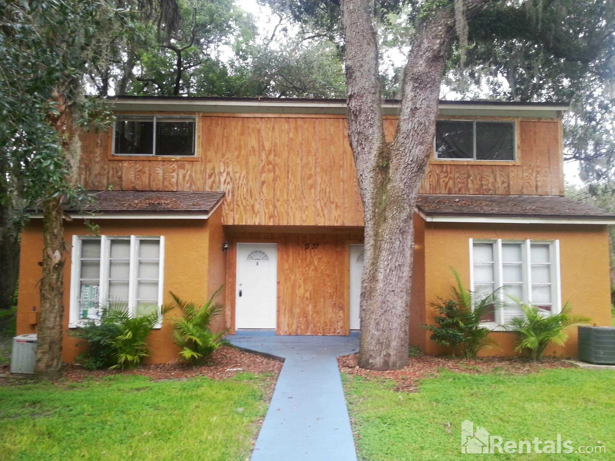 Condo for Rent in Fern Cliff