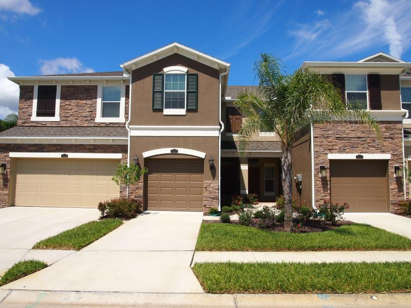 Condo for Rent in South Hampton / Westchase