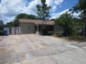 8233 Greenleaf Cir, Tampa, FL 33615