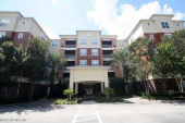 Great 3/2.5 condo in gated Deerwood Place