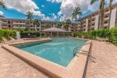 807 River Point Dr, Naples, FL 34102
