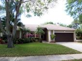 6086 Bay Lake Dr, St Petersburg, FL 33708