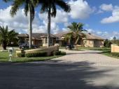 7451 S Peppertree Cir, Davie, FL 33314