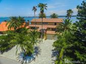 614 Belle Isle Ave, Belleair Beach, FL 33786