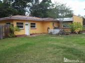 18101 2nd Ave, Lutz, FL 33548