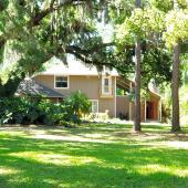 210 Dennison Rd, Lutz, FL 33548